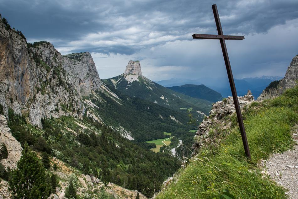 Croix commémorative au Pas de l'Aiguille