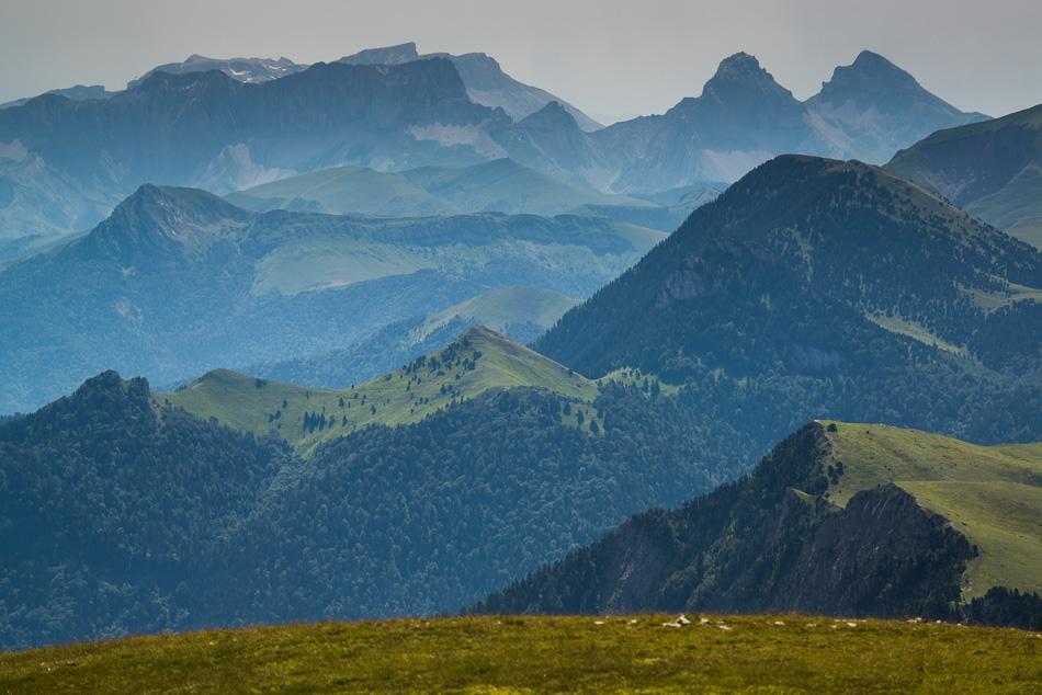 Vue sur le Dévoluy: Plateau de Bure et Têtes de Garnesier