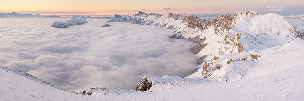 Panorama en hiver au pas de la Balme, Vercors.