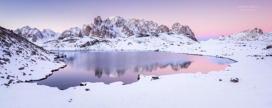 Aube au lac Long -panoramique des Cerces