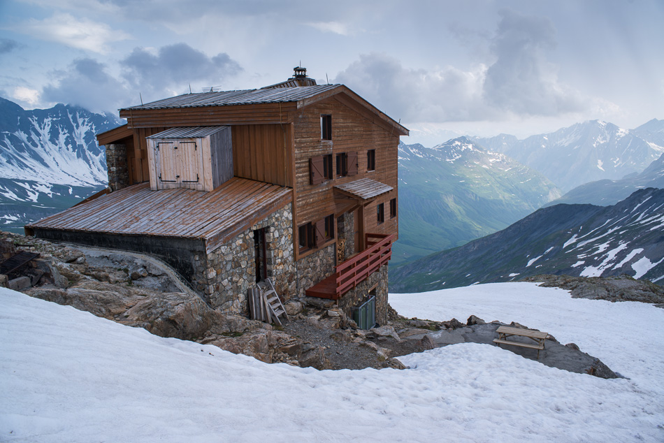 Le refuge Robert Blanc (2760m)