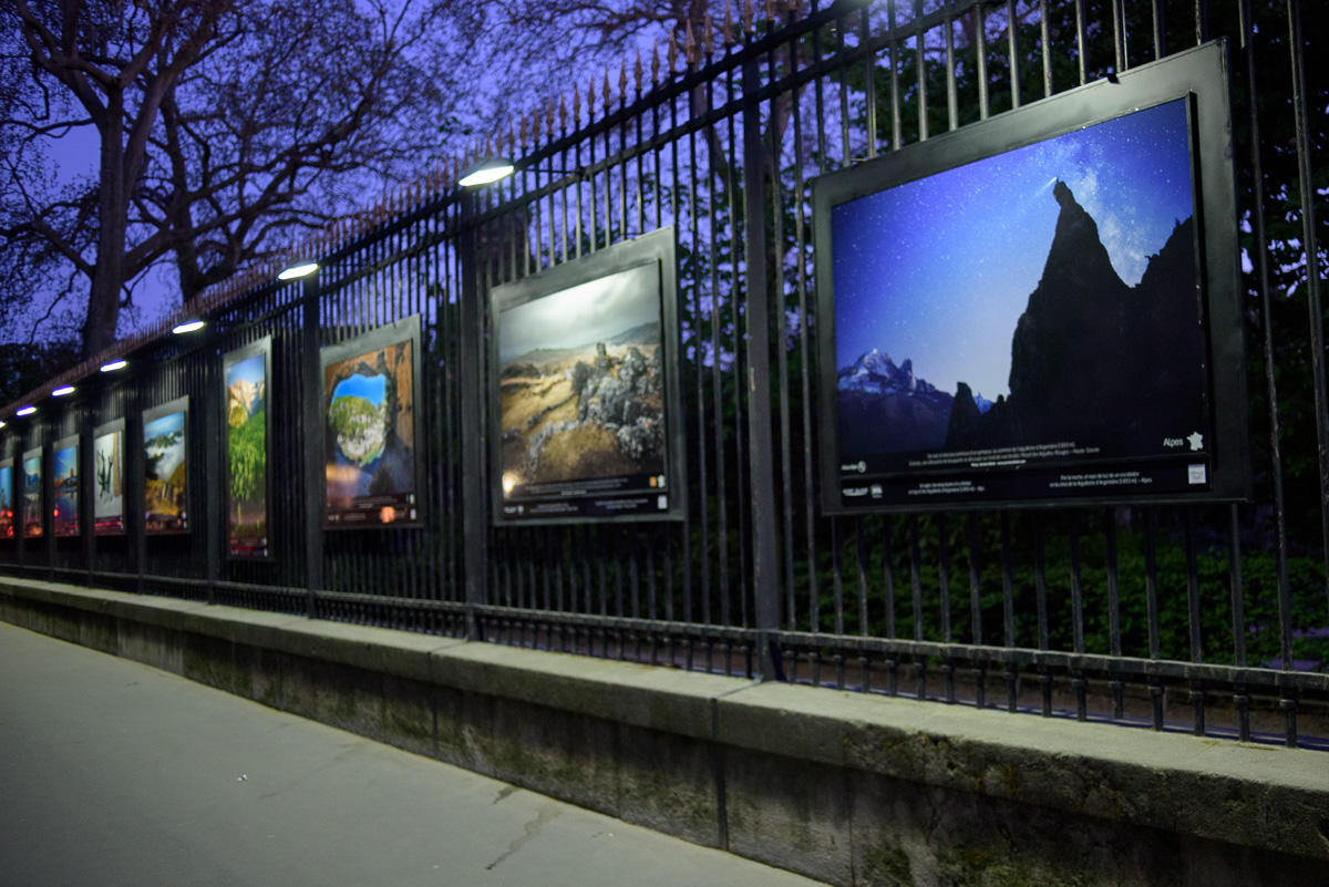 Exposition Montagnes de France sur les grilles du Jardin du Luxembourg a Paris