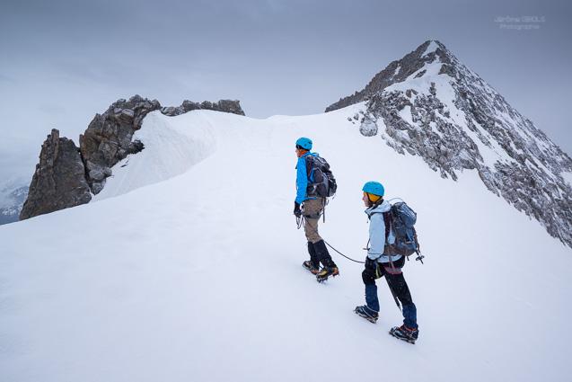 Cordee d'alpinistes au Col du Replat
