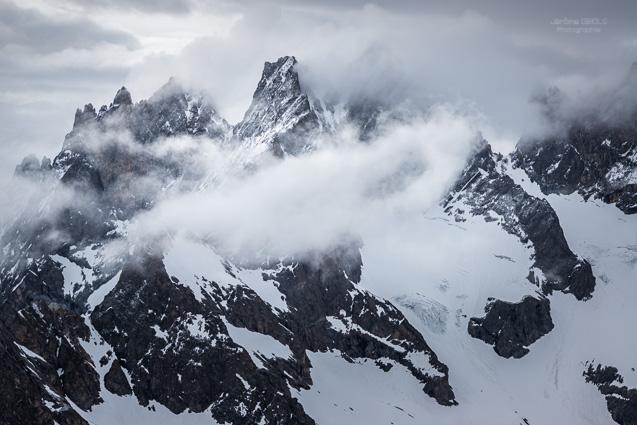 Le Pic Maitre et la Grande Ruine dans les nuages
