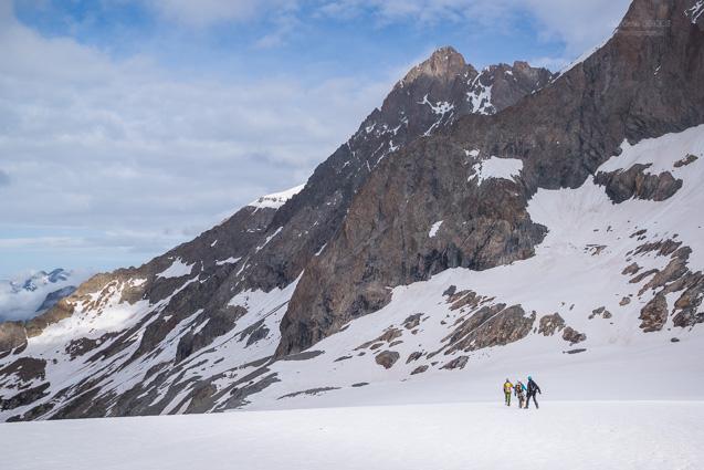 Alpinistes et Pic de la Grave (3667m)