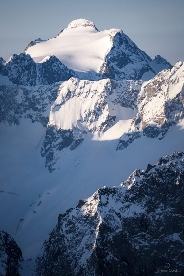 Glacier et sommet des Rouies sous la neige