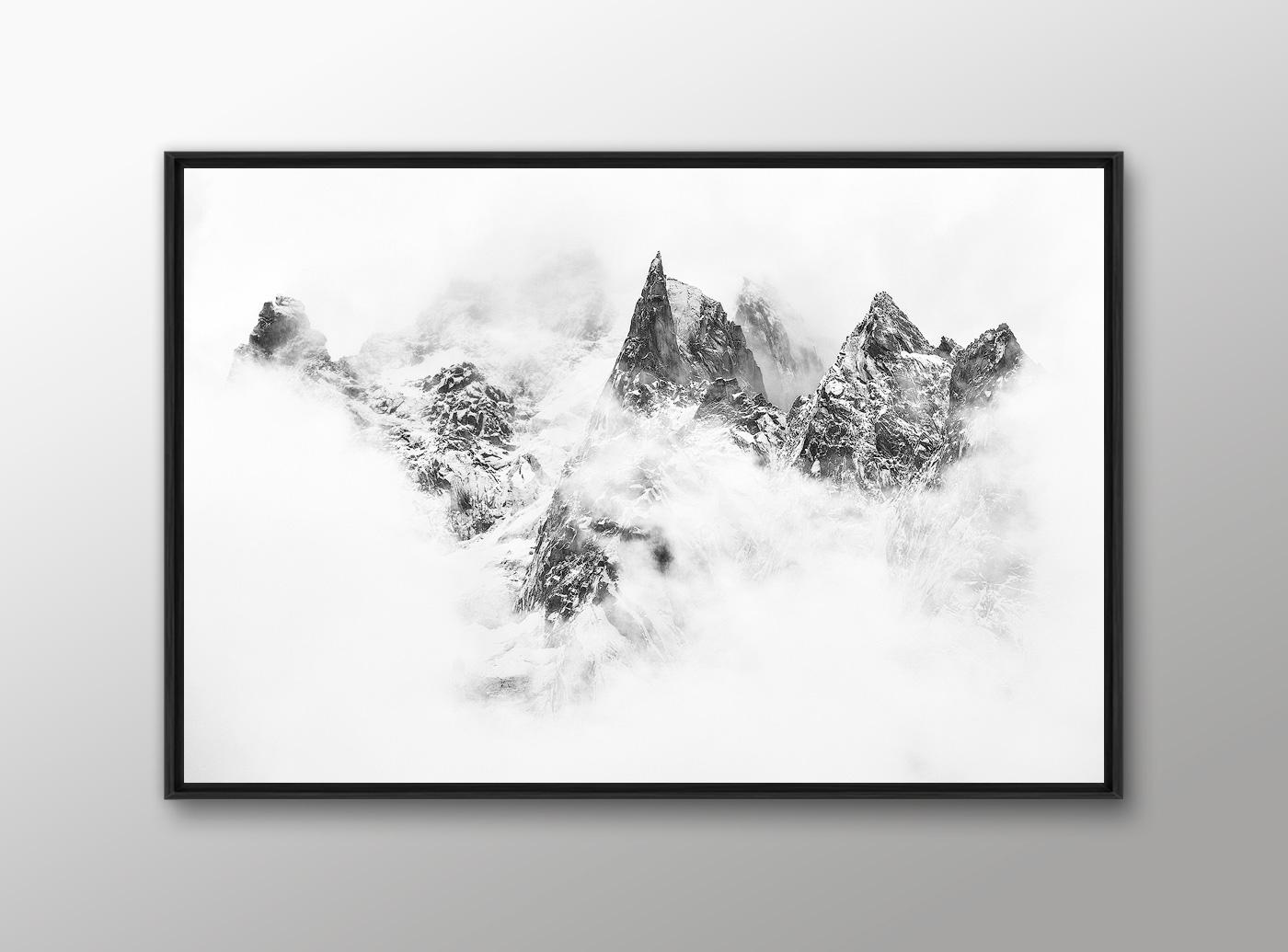 Idee cadeau photo montagne avec un tableau photo noir et blanc encadree