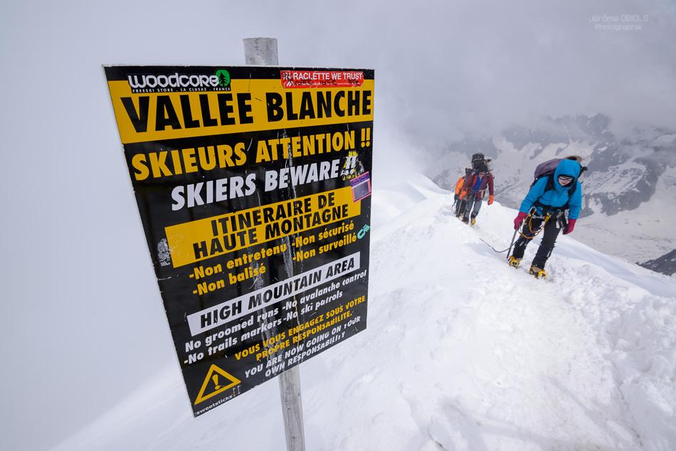 Panneau de l'arete de l'Aiguille du Midi, debut de la Vallee Bla