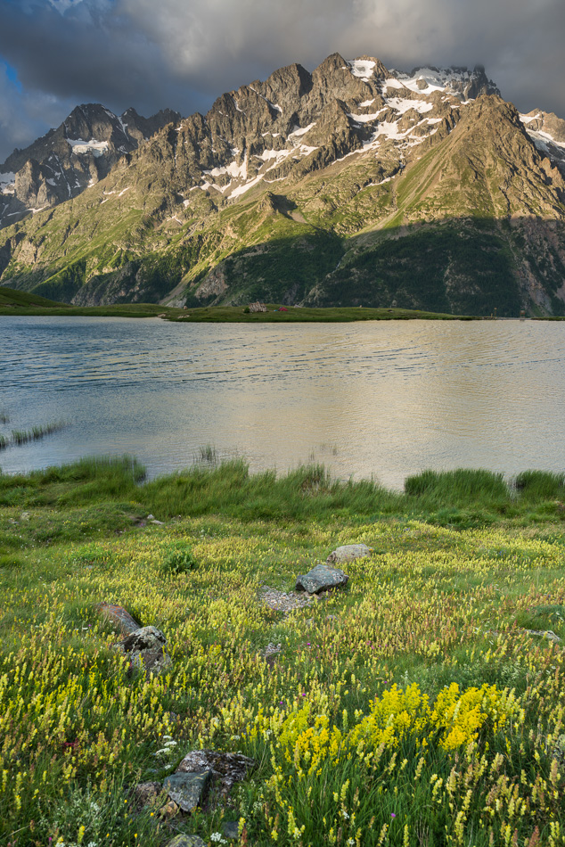 Le Lac du Pontet et la Meije